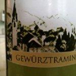 OK i vini. Gewurztraminer (per me il top) o Arneis o altro sono ok.