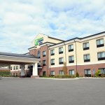 Photo of Holiday Inn Express & Suites Cambridge