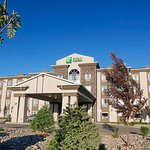 Photo of Holiday Inn Express Fort St John