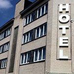 Photo de Hotel Phenix