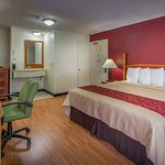 Photo of Red Roof Inn & Suites Atlanta - Midtown