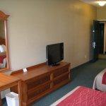 Photo of Red Roof Inn & Suites Ferdinand