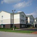 Red Roof Inn & Suites Ferdinand Foto