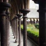 dentro de la abadía
