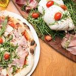 Pizza Napolitaine Tartufo e Antipasti di salumi