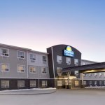 Days Inn & Suites Warman Legends Centre