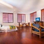 Habitacion junior suite, Aire acondicionado, Televisor pantalla plana de 32``, Tina, Cama 1.80,
