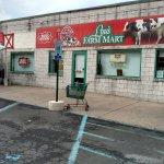 Lou's Farm Mart Foto