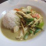 green curry chicken (M7)