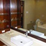Photo de Coron Gateway Hotel & Suites