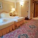 Photo de Royal Hotel Carlton