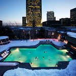 Year-round rooftop heated swimming pool.