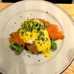 Eggs Benedict on salmon and brioche