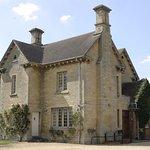 The Moretons Farmhouse (sleeps 10)