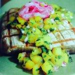 Seared Tuna w Mango Salsa