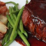 8 oz. Filet w/Roasted Redskins & Veggie