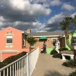 Tropical Manor Resmi