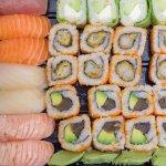 Un beau plateau de bons sushis !