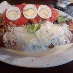 Un manjar!! Crepe de remolacha con ensalada.