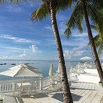 レストランから望むビーチ