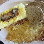 Veggie omelet with hash browns and rye toast