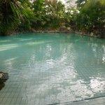 la piscine a vague avant l'arrivée des premiers ....
