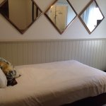 Charming inn - beautiful, clean and friendly ... and 8 minutes to Sydney !