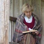 Une habitante du village