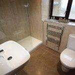 Room 5 Luxury King Bathroom