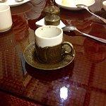 кофе по-ливански подают в специальных маленьких чашечках с крышками