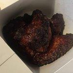 Völlig verbrannte Chicken Wings