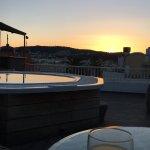 Lever du soleil depuis la terrasse du 8 eme étage , puis vue de notre terrasse au 5 eme