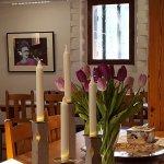 Café Guldmisteln - Galleri Astley. Alltid hembakat kaffebröd