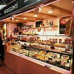 infraganti mercado central valencia, comida italiana, pizzas artesanas de diferentes masas.