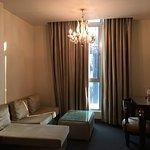 Photo de Hotel Aura
