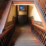 Лестница со второго этажа на первый