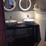 Salle de bain de la chambre coté vignes
