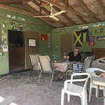 Photo de Yardie's Restaurant, Bar and Conch Stand