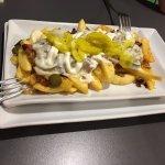Fritten Deluxe und 2x Burger Herzenswärme