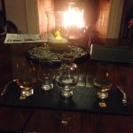 Beautiful views, warm relaxing atmosphere and delicious quality food ! Whiskey and gin heaven