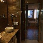 bathroom of the grand premium room