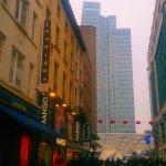 """""""Леонидасов"""" в Брюсселе полно, но здесь выбор очень большой."""