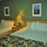 Two single, cozy beds, Waswick Lodge South, Grand Canyon National Park