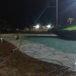 encerramento da piscina antes do horário, proprietários ríspidos.