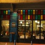 Extérieur coloré du restaurant