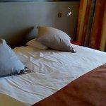 Etat du lit dans un hôtel 4*, et chambre livrée en retard à16h15
