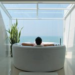 Presidential Platinum Suite Bathroom