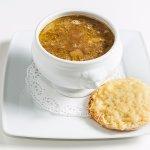 French soup, sopa de cebolla con cremoso de queso y pan