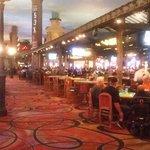 interior del hotel, zona de casino,