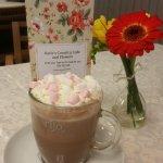 Hot chocolate, marshmellows and cream